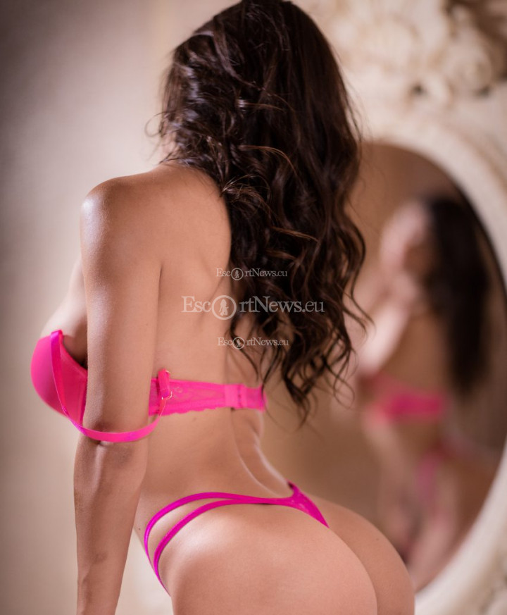 Escort Anna, Agency Luxury Escorts Greece
