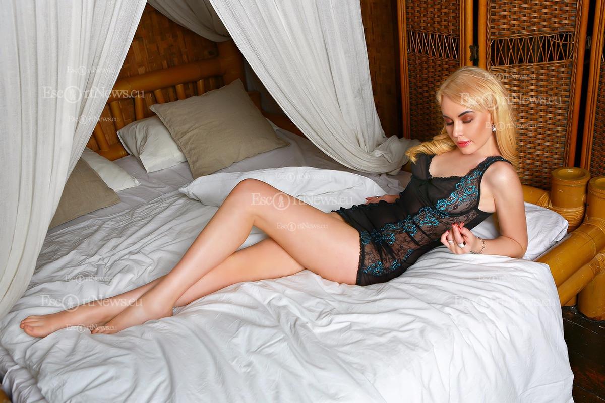 sexy porn woman magician